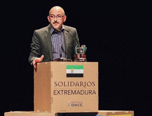 EL AYUNTAMIENTO RECIBE EL PREMIO SOLIDARIO ONCE EXTREMADURA
